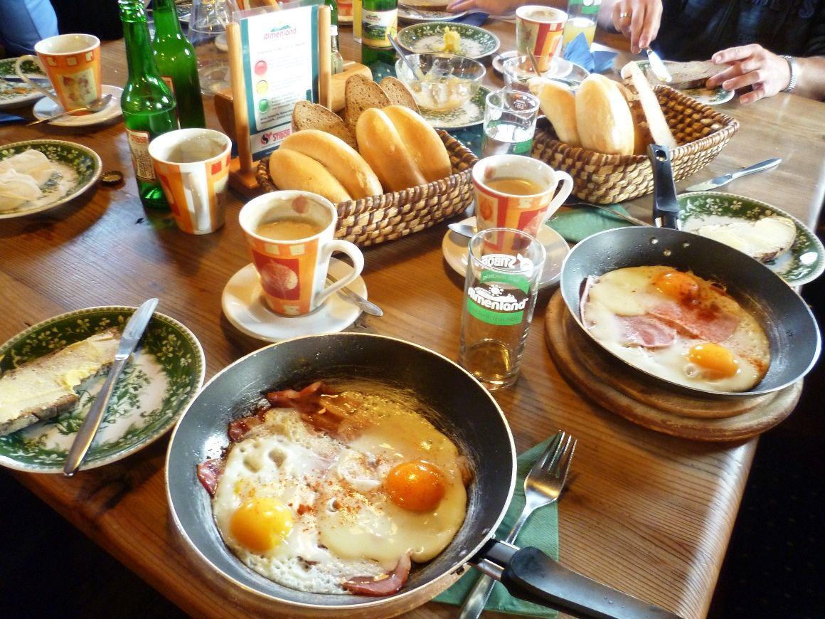 Almfrühstück auf der Stoakoglhütte